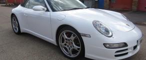 911 Gloss White